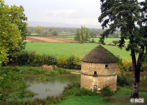 城の庭にある鳩小屋