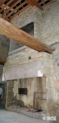 修復工事中のお城の内部