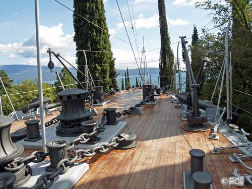 船の甲板からの眺め