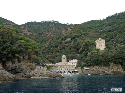 サン・フルットゥオーゾ修道院