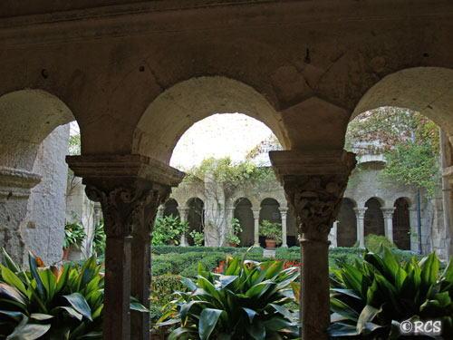 修道院の回廊: Cloître Saint-Paul de Mausole