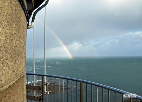 灯台の展望台から見た虹