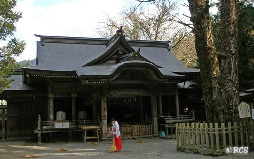天岩戸神社の境内