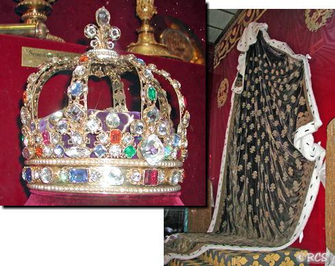 戴冠式の衣装