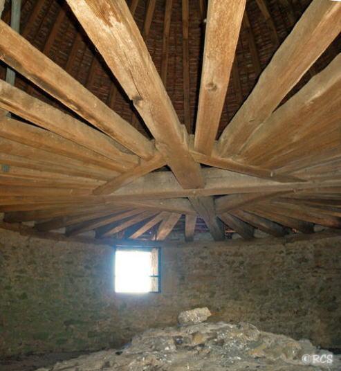 塔の屋根裏部屋